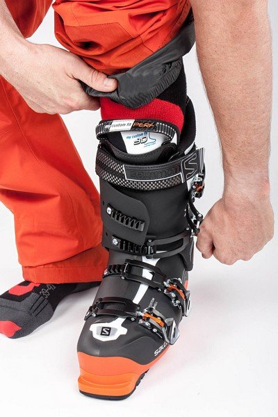 Ski boot closure