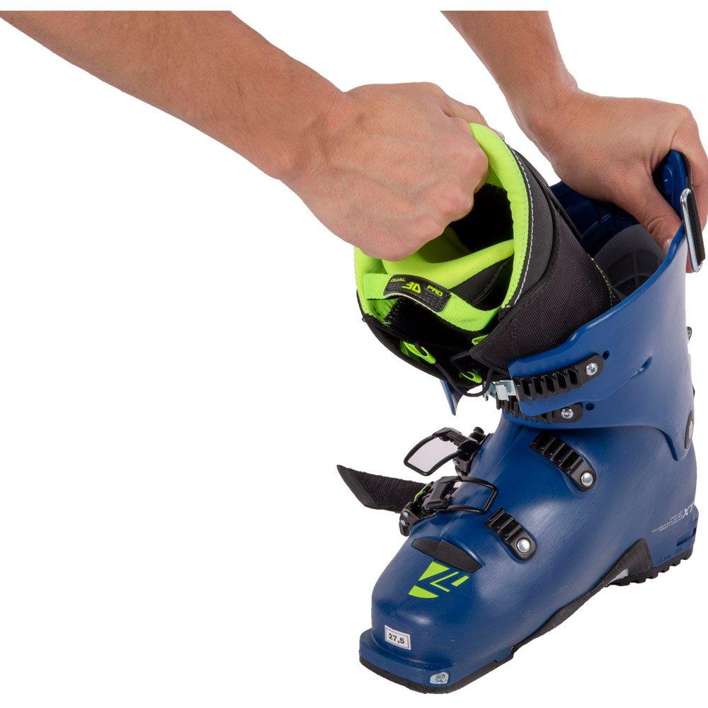 Pulling liner off ski boot